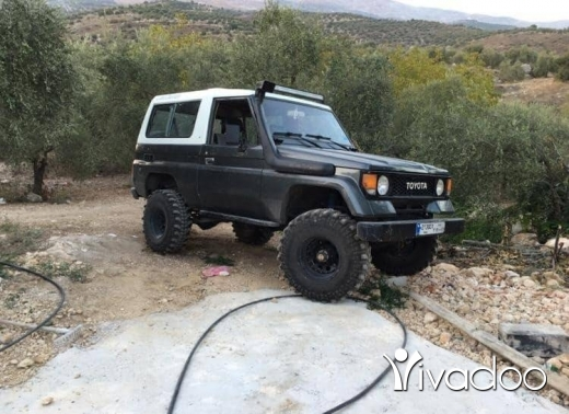 Toyota in Hasbaya - Toyota land cruiser model 1990 4cylinder ba5a5.امكانية الفحص بالكامل.٧٠٤٥٥٤١٤