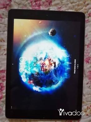 Apple iPhone in Tripoli - ipad 5