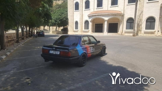 BMW in Bchamoun - E30 bmw