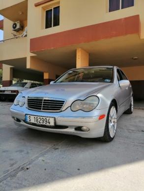 Mercedes-Benz in Al Beddaoui - مرسيدس موديل ٢٠٠١