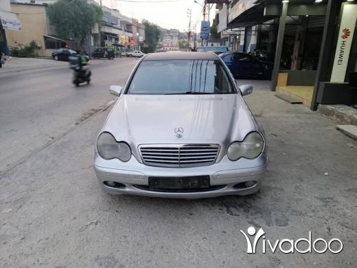 Mercedes-Benz in Nabatyeh - C200 Compraser 2001
