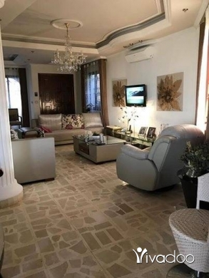 Apartments in Tripoli - شقة فخمة للأجار المعرض ٢٠٠ م ٤ حمامات صالون وقعدة