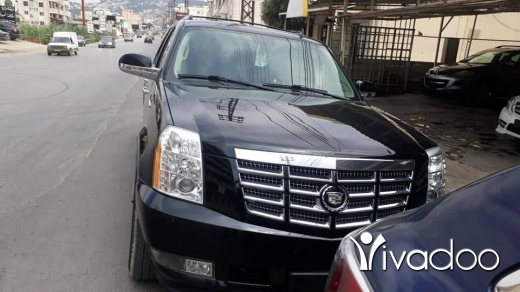 Cadillac in Halba - escalade 4x4  for sell