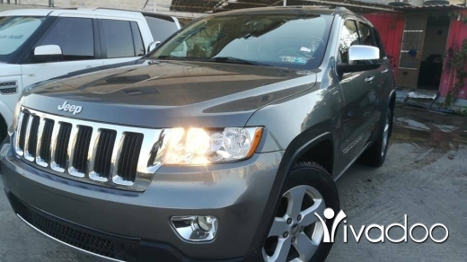 Jeep in Beirut City - Jeep 2012 clean carfaxfor sale silver