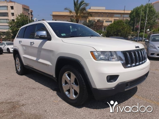 Jeep in Beirut City -  2011 grand cherokee