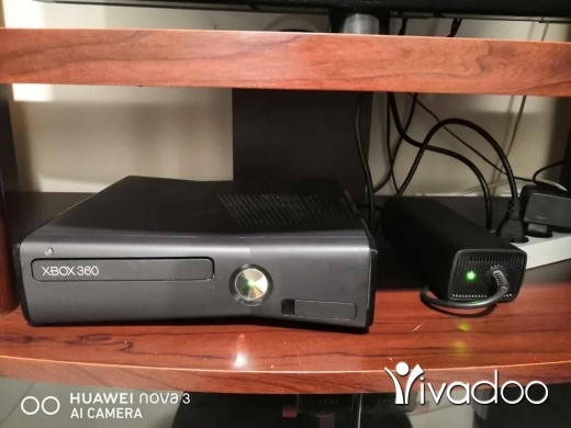 Xbox 360 & Xbox in Beirut City - Xbox 360 updated good condition