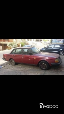 Volvo in Port of Beirut - Volvo 244 auto