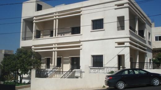 Villas in Damour - مبنى منفصل للايجار مع حديقة مسورة من 1000 متر