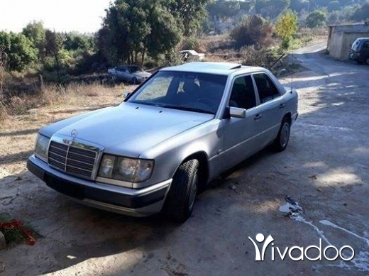 Mercedes-Benz in Akkar el-Atika - ﻣﺮﺳﻴﺪﺱ 220