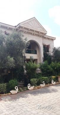Apartments in Port of Beirut - قصر اربع طوابق مفروش جاهز للسكن