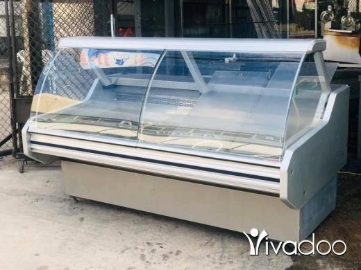 Freezers in Saida - براد عرض ايطالي ٢ م (مستعمل)