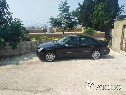 Mercedes-Benz in Tripoli - سياره ٢١١