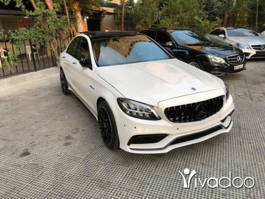 Mercedes-Benz in Beirut City - 2015 C300 4matic white/red kit 2019 C63 AMG original headlights panoramic keyless 19 wheels 49K mile