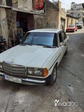 Mercedes-Benz in Tripoli - سيارة كتير نضيفة