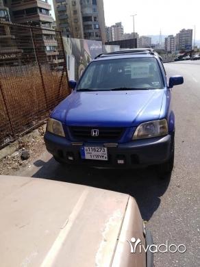 Honda in Abou Samra - جيب سي آر في موديل ٢٠٠١