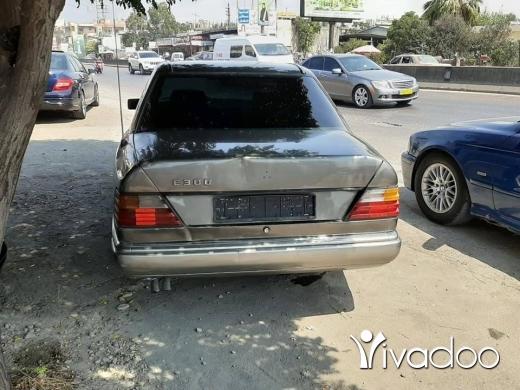 Mercedes-Benz in Menyeh - 300 mercedes