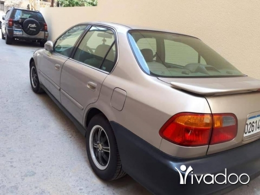 Honda in Beirut City - Honda civic ex 2000