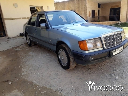 Mercedes-Benz in Port of Beirut - mercedes 300