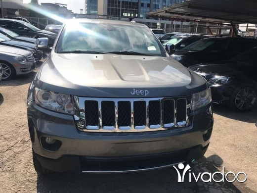 Jeep in Beirut City - 2011 Jeep Grand Cherokee Overland V8