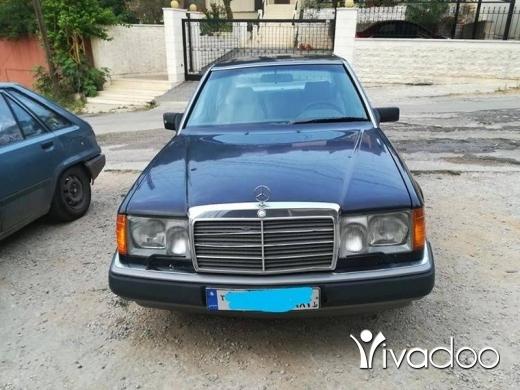 Mercedes-Benz in Tripoli - W124 E300