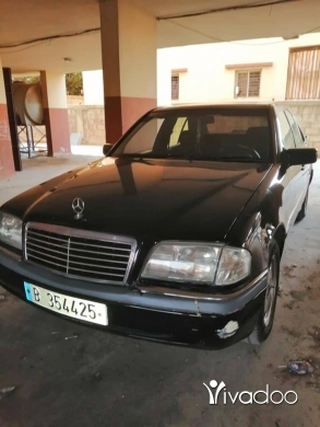 Mercedes-Benz in Majd Laya - C220 model 94