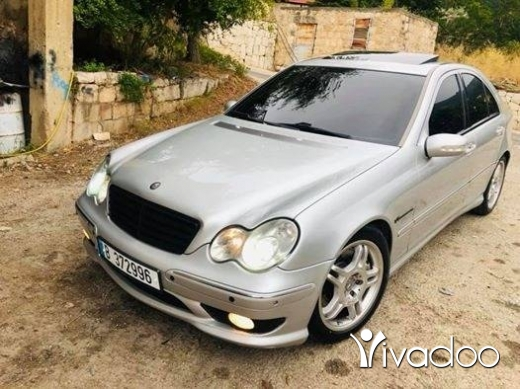 Mercedes-Benz in Tripoli - super clean c32amg