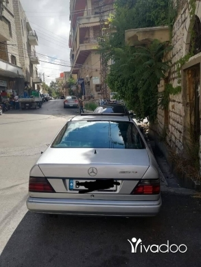 Mercedes-Benz in Port of Beirut - مرسيدس 300ce موديل ١٩٩٢