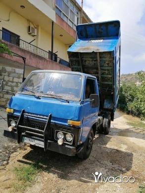Vans in Port of Beirut - دايهاتسو قلاب مازوت وراقو بنزين انقاض