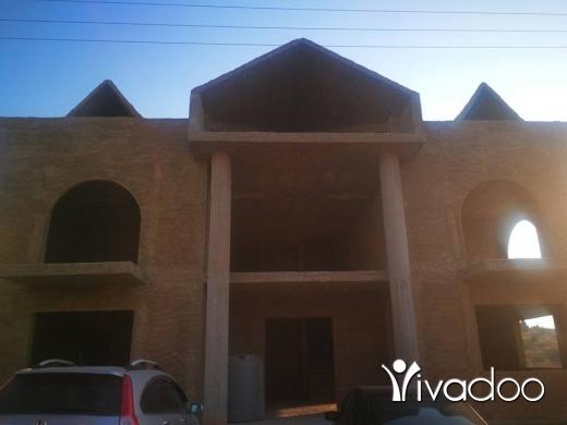 Apartments in Barsa - فيلا للبيع في منطقة الخالدية راسمسقاالأرض