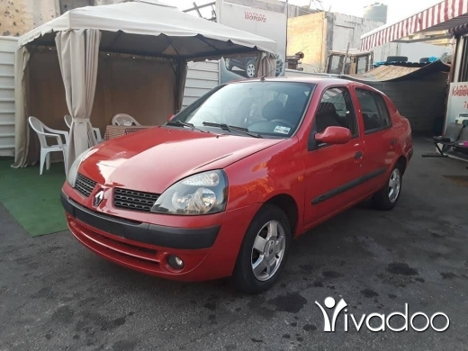 Renault in Beirut City - Renault clio model: 2004 (vitess)