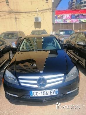 Mercedes-Benz dans Tripoli - Mercedes c300Model 2011