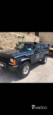 Jeep in Beirut City - Jeep xj 1988