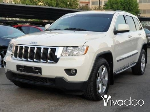 Jeep in Beirut City - 2011 Laredo V6 4x4 / Clean carfax