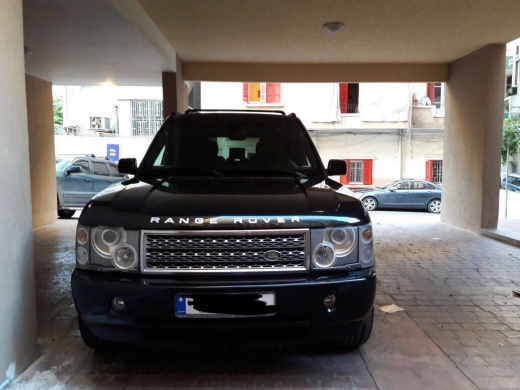 Land Rover in Hazmiyeh - Super Clean Car
