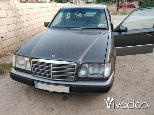 Mercedes-Benz in Port of Beirut - مرسيدس 230.