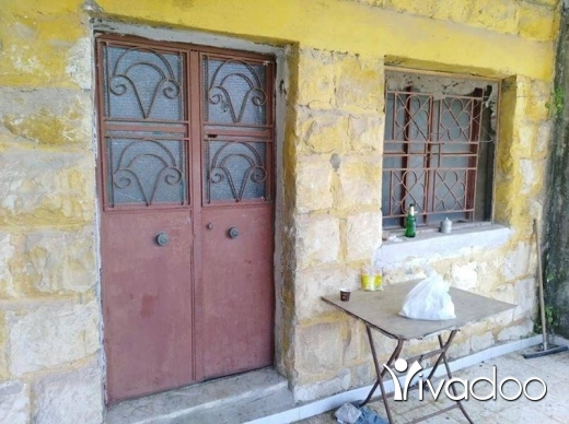Apartments in Beirut City - بيت قديم 3 غرف، بلدة كفرملكي، مساحة 320 م.م بسعر 50.000$.