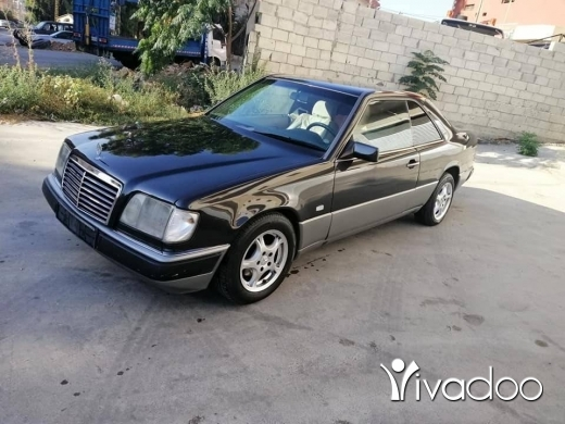Mercedes-Benz in Nabatyeh - 300 1990