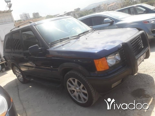 Rover in Damour - Range rover