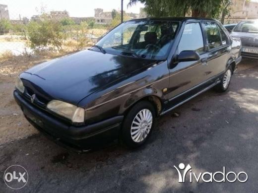 Renault in Zahleh - Renault 19