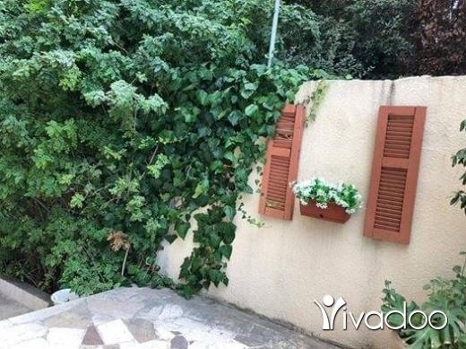 Apartments in Aramoun - 200 متر جنينة 100 متر ب 165 الف بعرمون