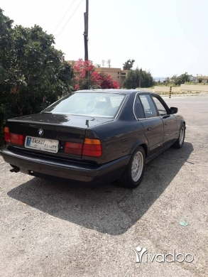 BMW in Jounieh - 535 full 89 or trade 3achi mounesib
