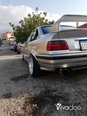 BMW in Bzebdine - E36