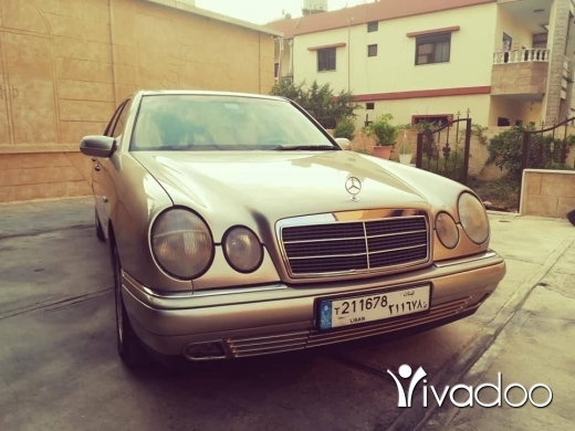 Mercedes-Benz in Tripoli - E240 mercedes 1998