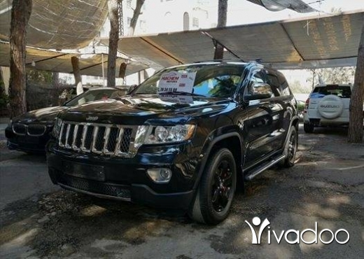Jeep in Beirut City - Gr Cherokee 2011 Laredo black V6 3.6L