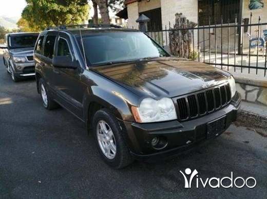 Jeep in Zgharta - Laredo mod 2005 phone 76 50 54 52