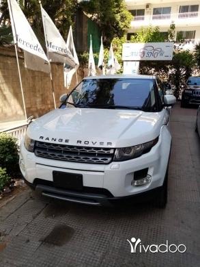 Rover in Tripoli - Rangerover Evoque. 2012.
