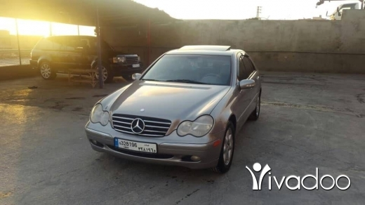 Mercedes-Benz in Beirut City - Mercedes C 240 model 2003