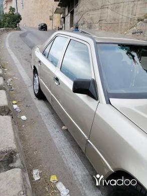 Mercedes-Benz in Tripoli - Mercedess e 260 sandou2 300