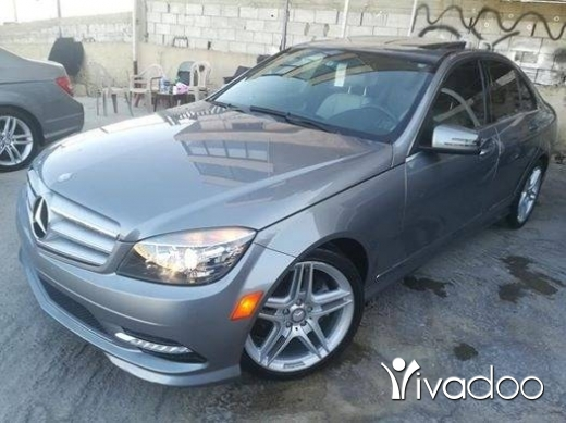 Mercedes-Benz in Zahleh - C300 model 2011 clean carfax 83k mile only☎️76870244 very clean car