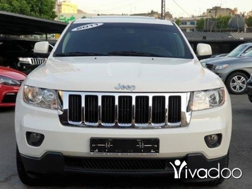 Jeep in Beirut City - Clean carfax Low mileage 2011 Laredo V6 fully loaded